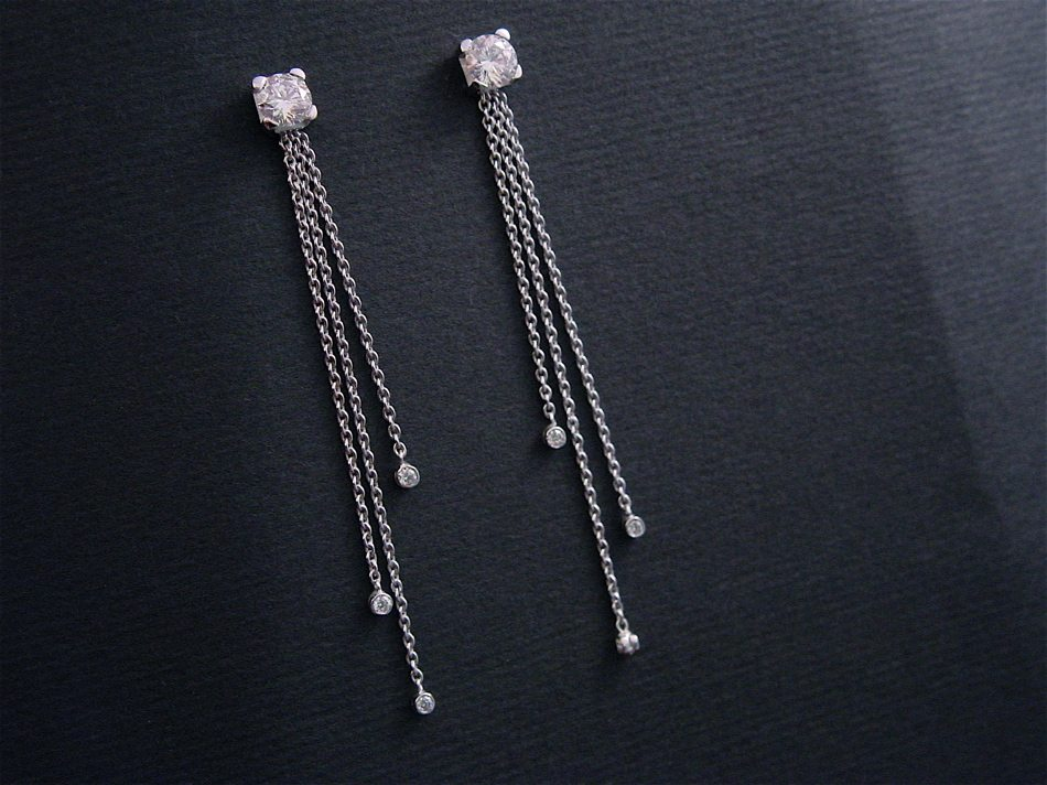 clous diamants, pendants amovibles
