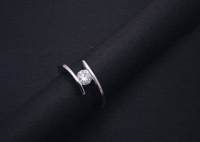 "solitaire ""élan"" or blanc diamant"