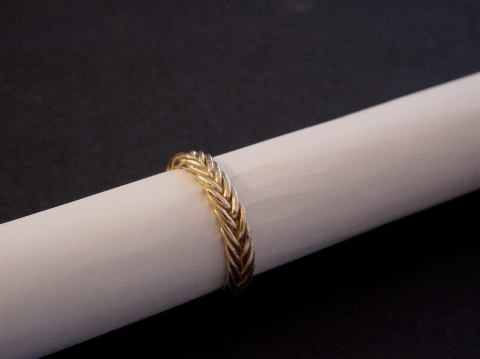 bague or rouge, fishtail